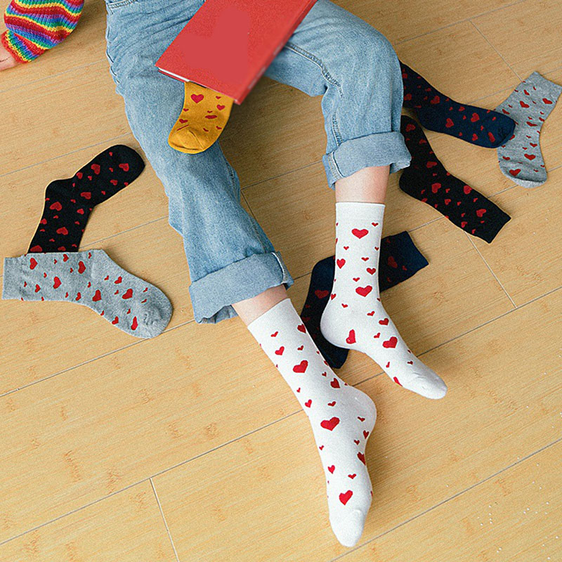 Women New Middle Tube Heart Jacquard Japanese Socks Cotton Casual Solid Color Yellow Black Socks Floor Warm Fashion Funny Socks