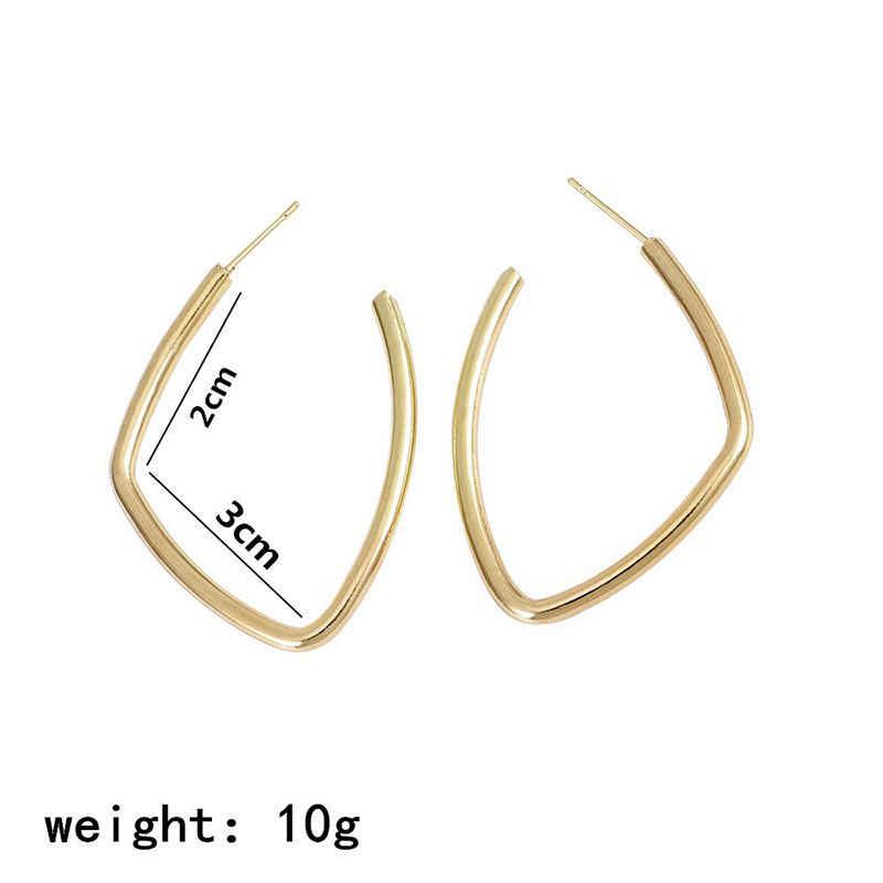 Simple Hoop ต่างหูไม่สม่ำเสมอสังกะสีโลหะผสมทองและต่างหูเครื่องประดับสำหรับแฟชั่นผู้หญิงของขวัญ 30 มม.x 20 มม.,1 คู่
