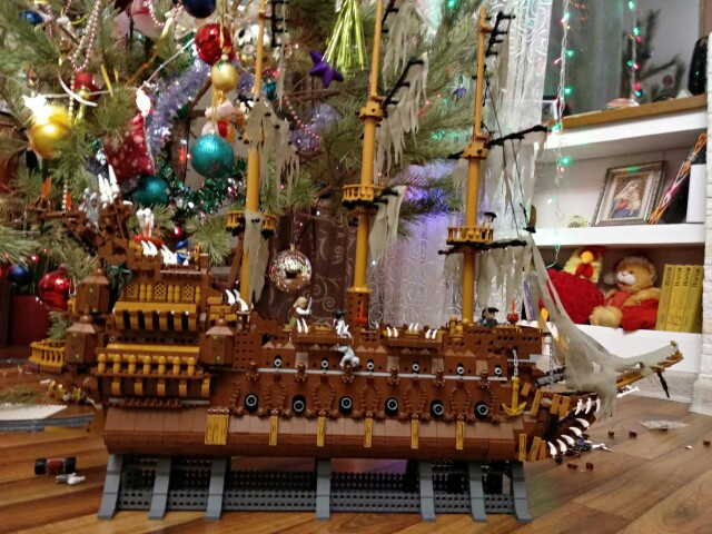 16016 Pirates of the Caribbean Movies Series MOC The Flying Netherlands Building Blocks Bricks Kids Toys Christmas gift 83015 10