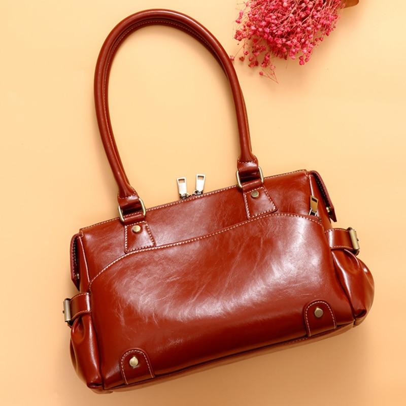 Chic Boston Genuine Leather Handbags Women Big Multi-Pocket Tote Bags Vintage Oil Wax Leather Female Shoulder Bags 2020
