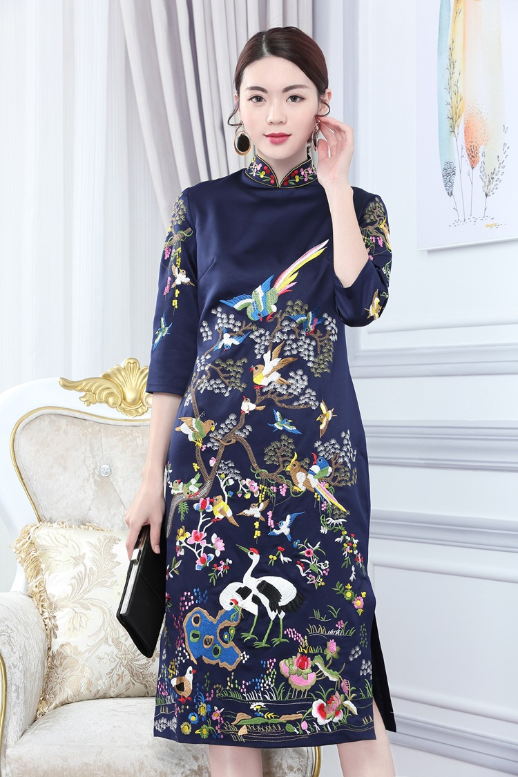 2020 Chinese Style Traditional Embroidery Cheongsam Qipao Dress Marriage Cheongsam Suit Traditional Embroidery Dragon Qipao