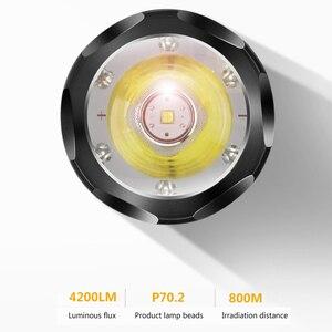Image 2 - Chiến Thuật Đèn Pin CREE XHP70.2 Sạc Dài Bắn 4200 Lumens 8000 MAh Pin Lithium Dung Lượng Lớn Mạnh Đèn Pin LED