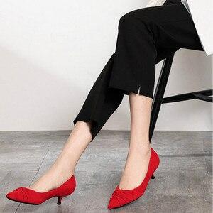 Image 3 - 2020 الأحمر الزفاف أحذية صغيرة رقيقة عالية الكعب أحذية امرأة 3.5 سنتيمتر أشار تو مطوي أنيقة الصلبة قطيع مثير عادية الانزلاق على مضخات