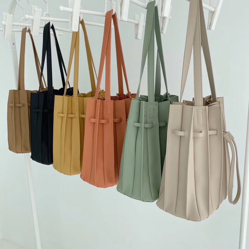2020 New Solid Color Female Pleated Bag Women Drawstring Small Handbags Organ Designer Chic Bag Sets Japan Ladies Shoulder Bag