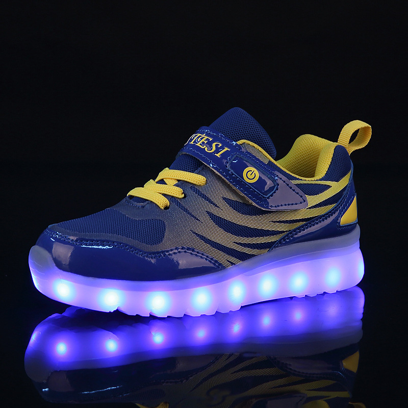 RISRICH Kids Shoes With Tennis LED Light For Boys Girls Glowing Light Up Children Luminous Sneakers With Kids Blacklight Shoes