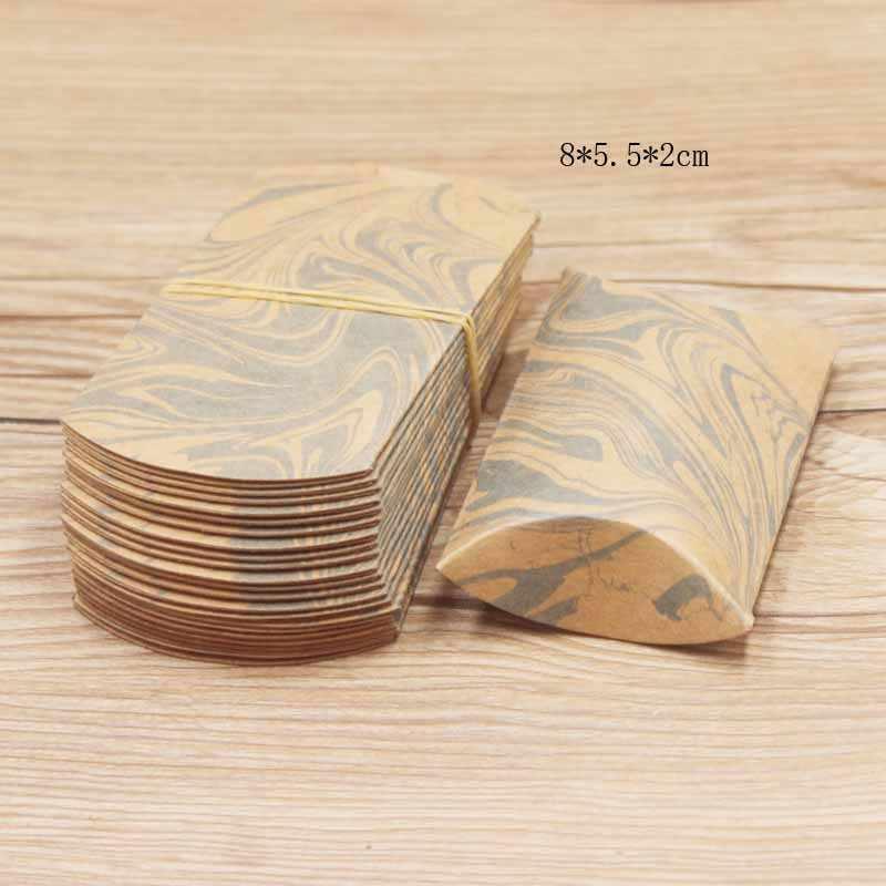 Sacchetto di Carta presente Confezioni Regalo Regalo di Nozze Ospite Perfetto Cuscino Scatola di Immagazzinaggio di Monili Bianco/Kraft Stampa Multi-Stampa