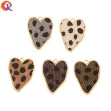 Cordial Design accessoires de bijouterie, fait à la main, en forme de cœur, avec effet imprimé léopard, breloques, boucles doreilles, 50 pièces, 25x32MM