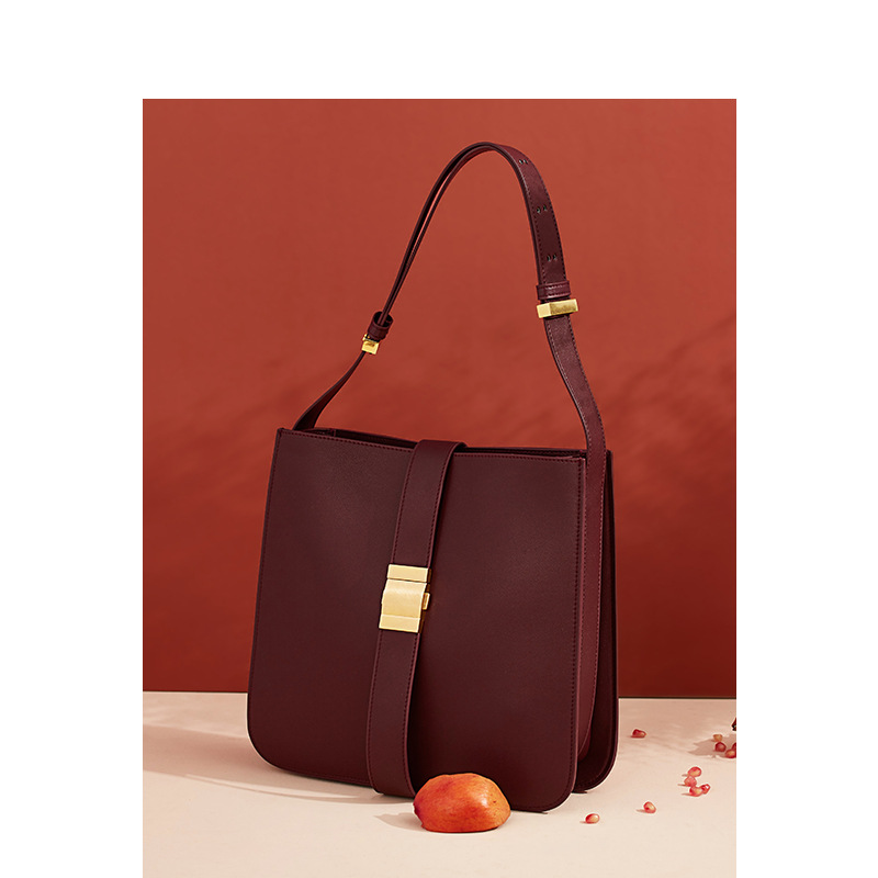 Women's Bag Fall 2019 New Large Capacity Leather Women's Bag Lock and Buckle Fashion Women's Single Shoulder Slant Bag