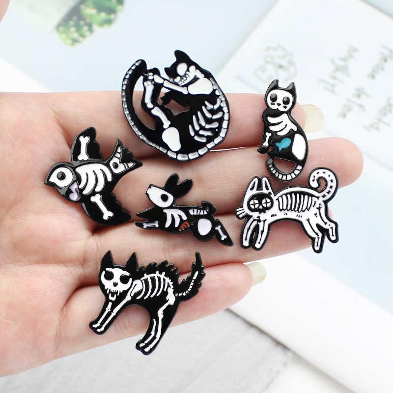 Animal Skeleton Pin Brooch Cat Rabbit Bird Black White Skeleton Skull Enamel pins Badge Animal Brooches for Women Jewelry Gift