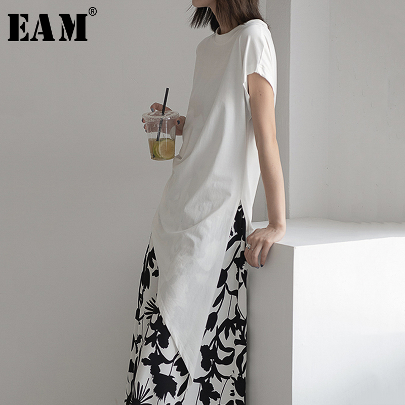 [EAM] Women White Pleated Asymmetrical Temperament T-shirt New Round Neck Short Sleeve  Fashion Tide  Spring Summer 2020 1R193