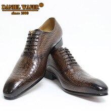 Homens sapatos de couro de cobra impressões de pele de homem vestido de negócios estilo clássico café preto rendas até sapatos de dedo apontado para homem oxford sapatosSapatos Formais