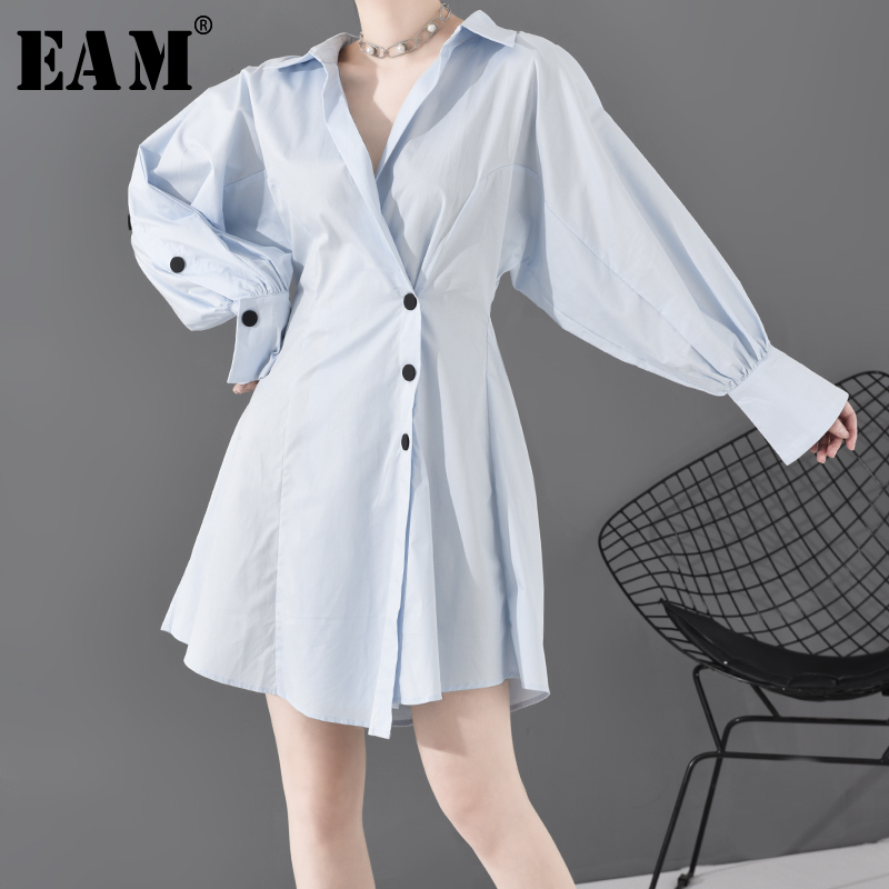 [EAM] Women Blue Button Split Pleated Elegant Dress New V-Neck Long Sleeve Loose Fit Fashion Tide Spring Autumn 2020 MG09205