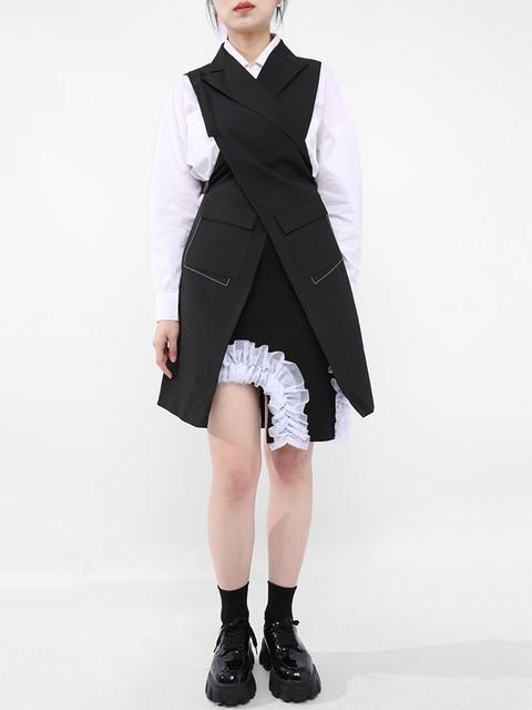 [EAM] Women Loose Fit Black Button Cross Irregular Long Vest New Lapel Sleeveless Fashion Tide Spring Summer 2021 1DD929701 2