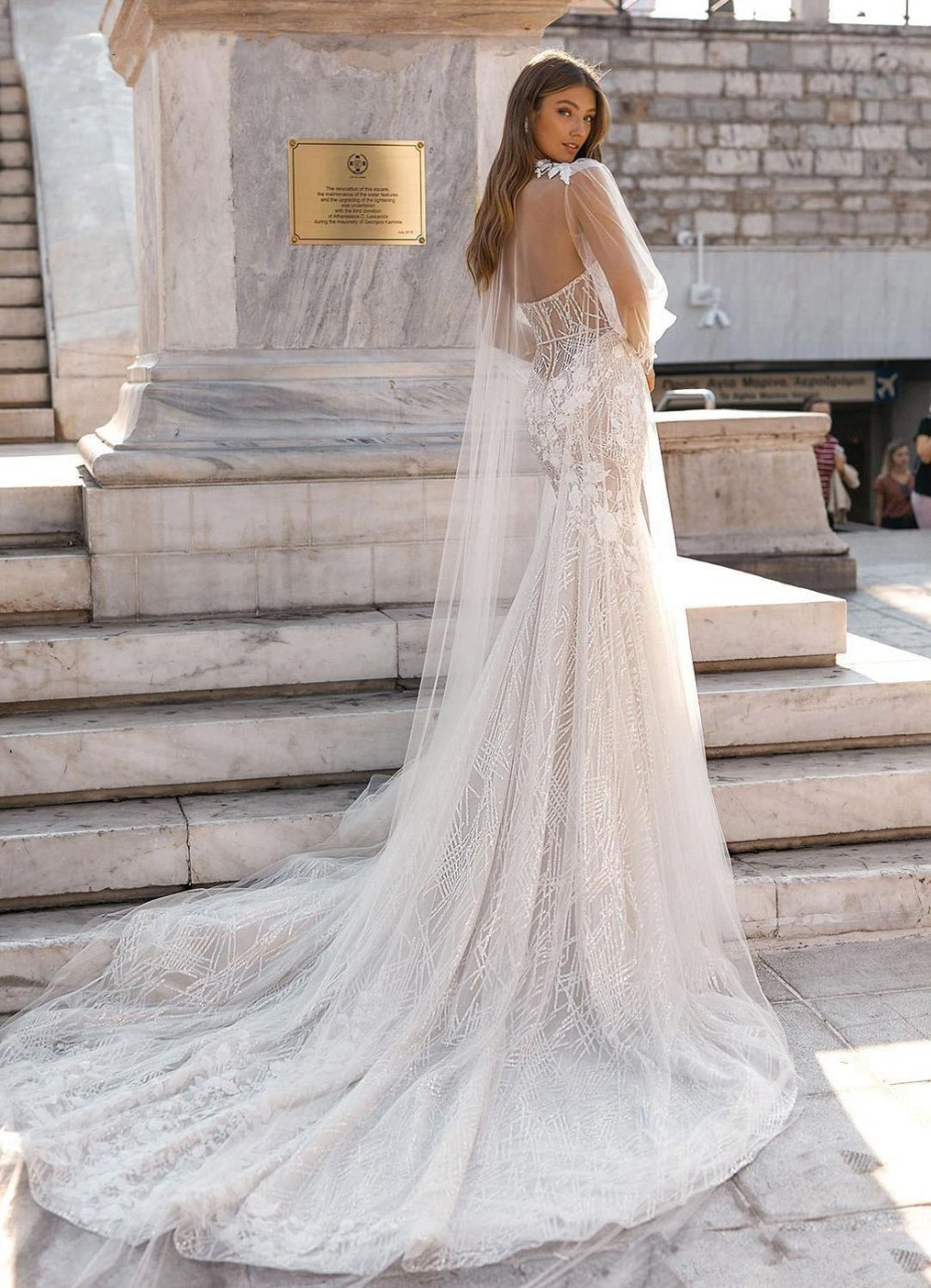 Newest-Shinny-Mermaid-Wedding-Dress-with-Wrap-NEW-Sexy-Long-Sleeve-Lace-Appliqued-Bacless-Sweetheart-Beach (2)