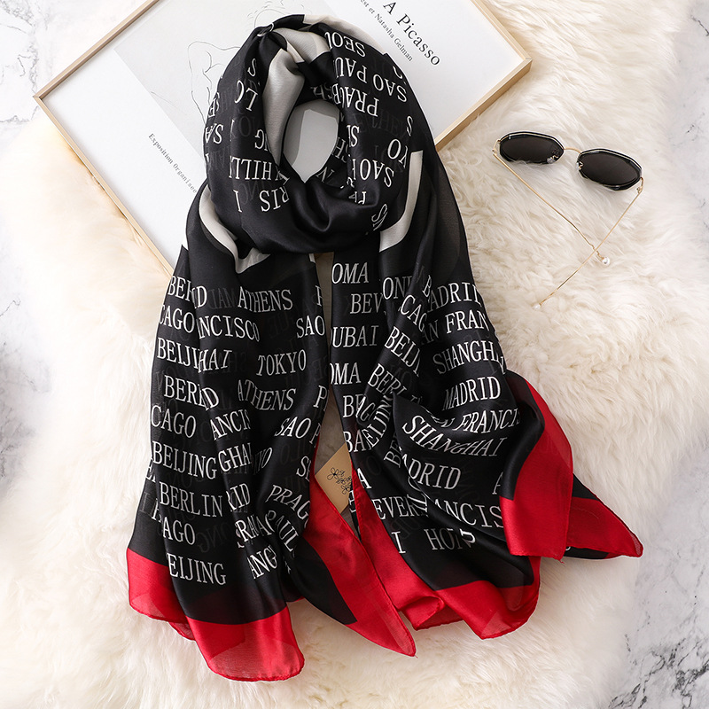2020 Luxury Brand Autumn And Winter New Style Popular Headcloth Women Fashion Silk Letter Print Scarf Ladies Beach Big Shawl