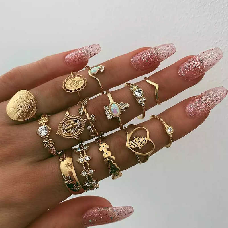 Tocona 15 Pcs/set Bohemia Women Fashion Heart Fatima Hands Virgin Mary Cross Leaf Hollow Geometric Crystal Ring Set Jewelry 7056
