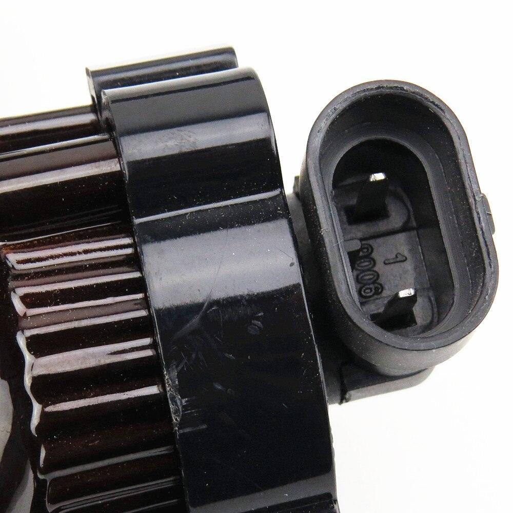 Купить с кэшбэком SCJYRXS Halogen Car Lights Convex Lens Fog Lights For Golf MK5 Rabbit Sciocco Amarok 1K0941699 1KD 941 699 1K0941700 1KD941700