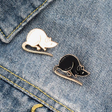 Adorável preto branco ratos esmalte pino mouse broches animal emblema saco camisa lapela pino fivela simples jóias presente para amigos
