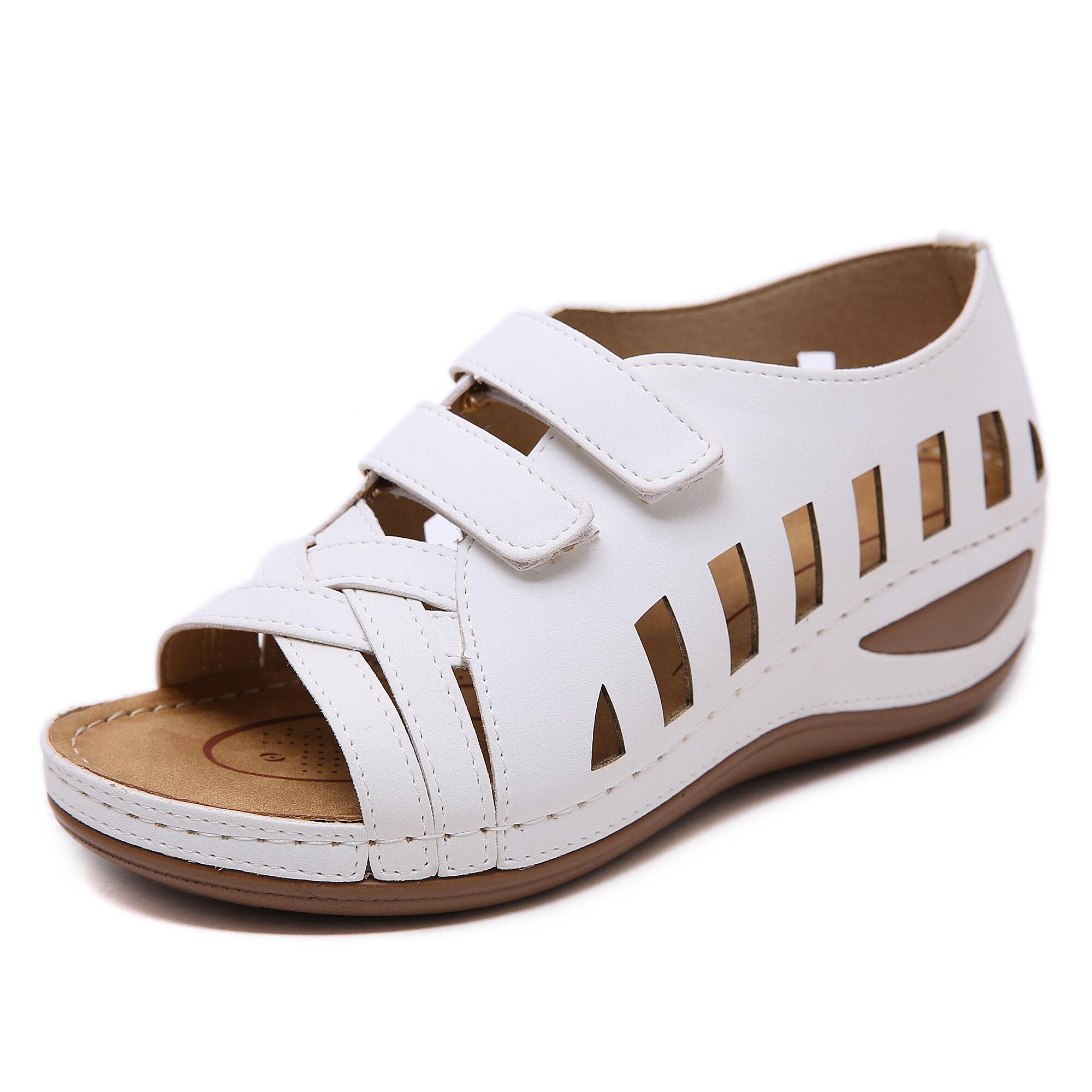 Womens Sandals 2020 New Retro Non-slip Women Shoes Plus Size 36-44 Beach Sandals Casual Black White Wedges 5CM Ladies Sandals