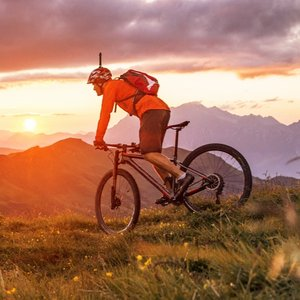 Image 4 - Insta360 ONE XและR Selfie StickและInsta360รถจักรยานยนต์Bundle (ONE XและR) รถจักรยานยนต์ขี่อุปกรณ์เสริม