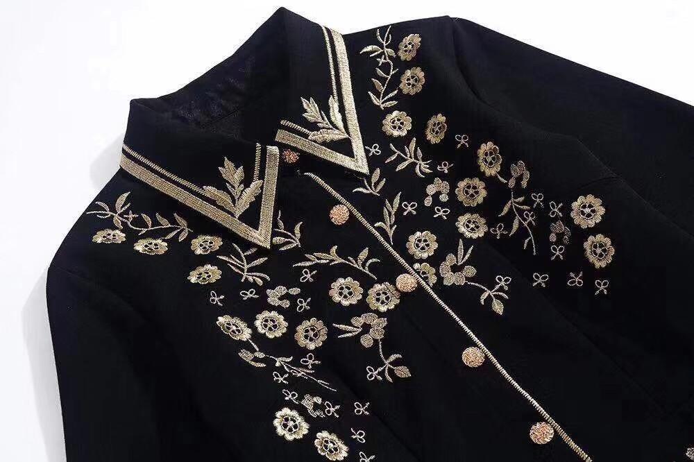 Primavera 2020 para las mujeres europeas y americanas desgaste del bordado de manga larga solapa vestido negro de moda - 3
