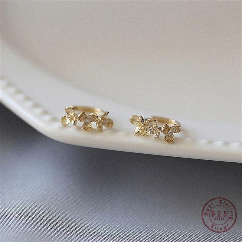 925 Sterling Silver French Small Flower Earrings Women Light Luxury Temperament Wedding Party Jewelry Girlfriend Gift