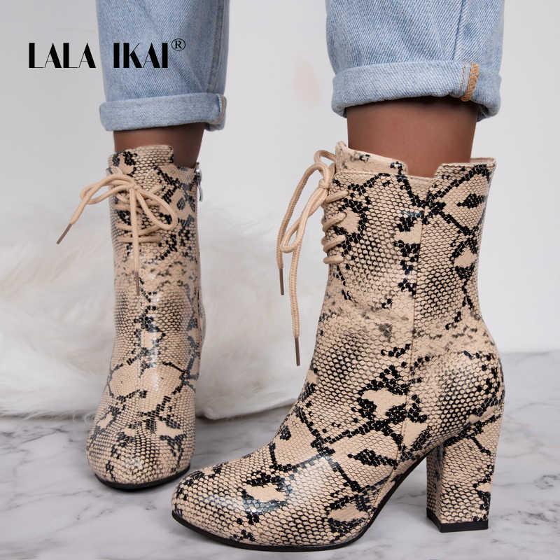 LALA IKAI 2020 sonbahar kadın yarım çizmeler kış PU deri serpantin ayakkabı kadın dantel-up pompaları fermuar kare topuk çizmeler a7300-4