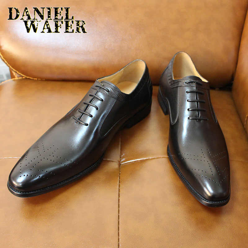العلامة التجارية الفاخرة OXFORDS الرجال أحذية من الجلد الحقيقي الدانتيل يصل مكتب العمل أحذية الزفاف البروغ الرسمي أشار تو أوكسفورد حذاء أسود