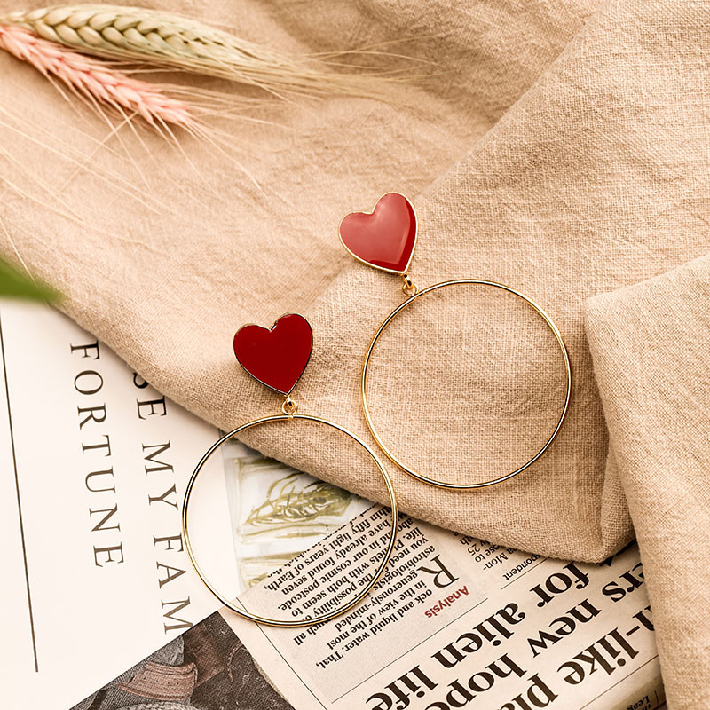 Hfe352a8bf2fe48b798dd907293fcabdcm - 2019 New Red Heart Big Gold Loop Dangle Earrings For Women Lady's Chic Heart Love Earring For Party Jewelry Gift