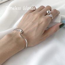 Timeless Wonder 925 Sterling Silver Geo Twist (China)