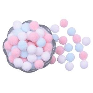 Image 1 - Pompons macios pompons bola de pele pompons crianças brinquedos acessórios artesanato diy vestuário costura suprimentos casa decoração casamento 100 pçs mixedcolor