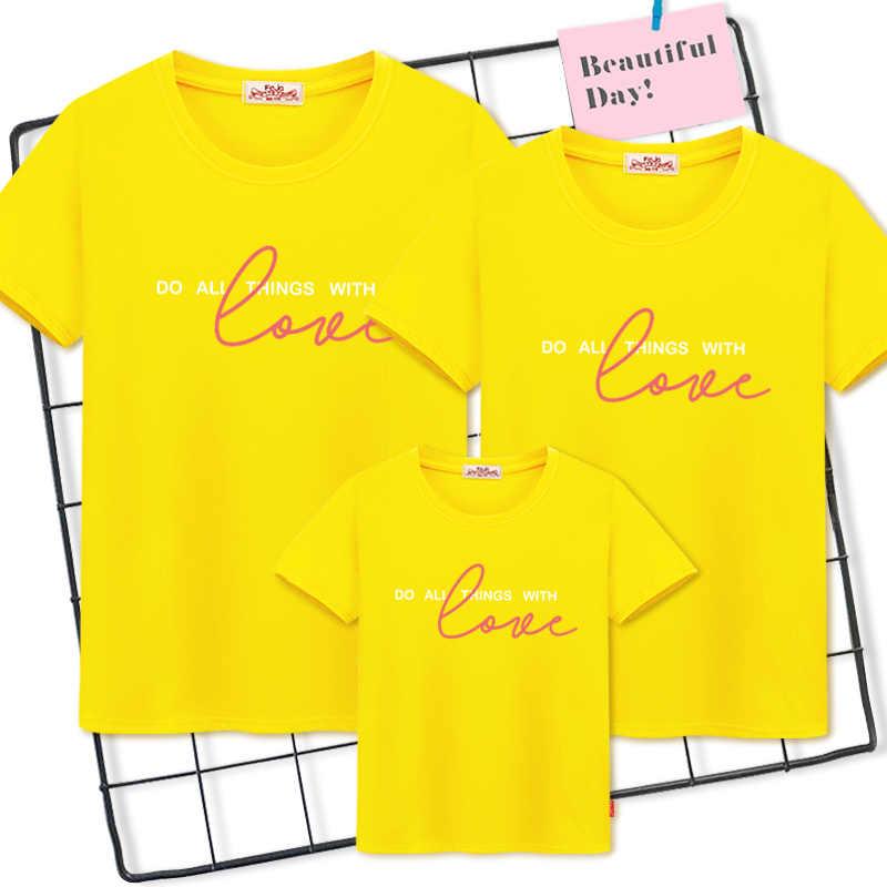 สำหรับครอบครัวครอบครัวดูฤดูร้อนครอบครัว t เสื้อ femme 2019 แม่และ son เสื้อผ้าและเด็กจับคู่ชุด