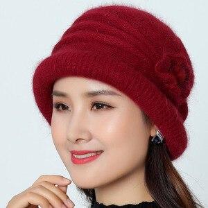 Image 5 - Frauen Wolle Hut Kappe Woolen Beanie Hut Winter Gestrickte Hüte mit Blume Muster Damen Mode Warme Frauen Capot Skullies Kappe