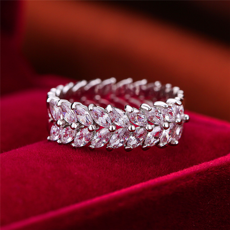 Luxury Female White Leaf Plant Ring Silver Color Bridal Engagement Ring Vintage Wedding Band Rings For Women