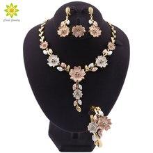 Dubai Conjunto de Jóias para As Mulheres Vestido de Noiva Acessórios da Cor do Ouro Em Forma de Flor Colar Brincos Pulseira Conjunto Anel