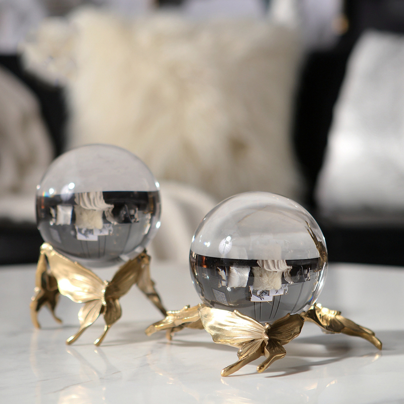 Three Golden Butterflies And Crystal Balls Statue Modern Geometric Copper Sculpture Animal Figurine Home Office Decoration Gift