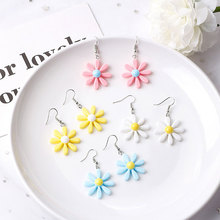 Fashion Flower Earrings for Women 4 Colors Student Daisy Resin Earrings Ladies Gifts Dropshipping недорого