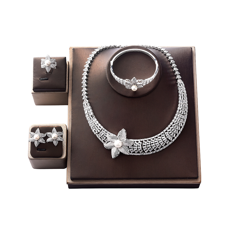 Ensemble de bijoux HADIYANA fleurs Design collier boucles d'oreilles bague et bracelet ensemble femmes fête de mariage zircone 1521W Conjunto de joyas