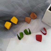 Irregular Geometric Metal Asymmetric Stud Earrings 2021 New Simple Retro Fashion Joker Earrings Women Jewelry, Gift Accessories