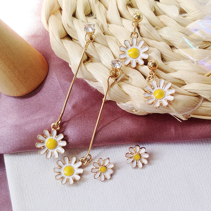 South Korea new style small and fresh Daisy flower ear nail sunflower earring temperament personality girl contracted earring