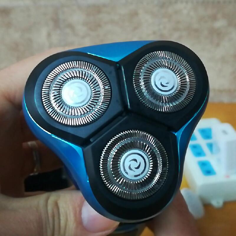 Мужская моющаяся перезаряжаемая электробритва для влажного/сухого бритья электрическая бритвенная машинка для бороды многофункциональна...