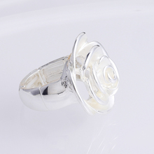 MeiceM 2021 Hot Sale Silver Color Fashion Rose Rings for Woman Jewelry Luxury Brand Ring Women