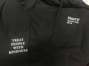 Image 3 - 새로운 겨울 Streetwear 해리 스타일 투어 까마귀 슈퍼 희귀! 한 방향 힙합 남자 스웨터 탑 패션 코튼 후드 남자