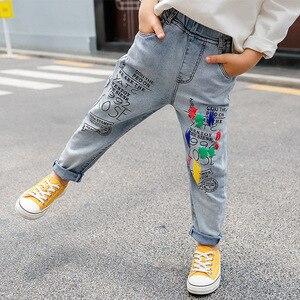Image 5 - 高品質のカラーペイント子供ジーンズガールズボーイズ手紙ジーンズ少年少女のための秋の子供服、子供のジーンズ 3 13 年齢