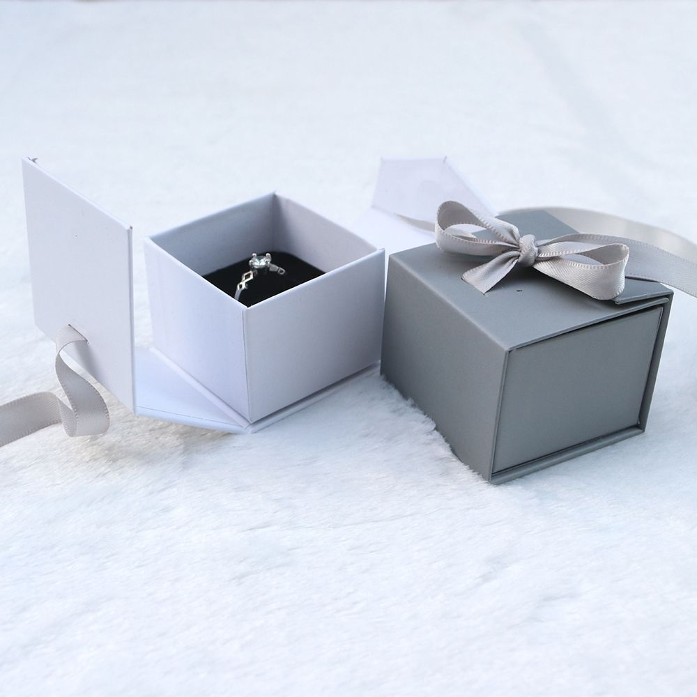 1 Pc Exquisite Fashion Jewelry Gift Silk Bow Ribbon Paper Box Ring Necklace Ear Stud White Grey Wedding Boxes Modern Event Gift