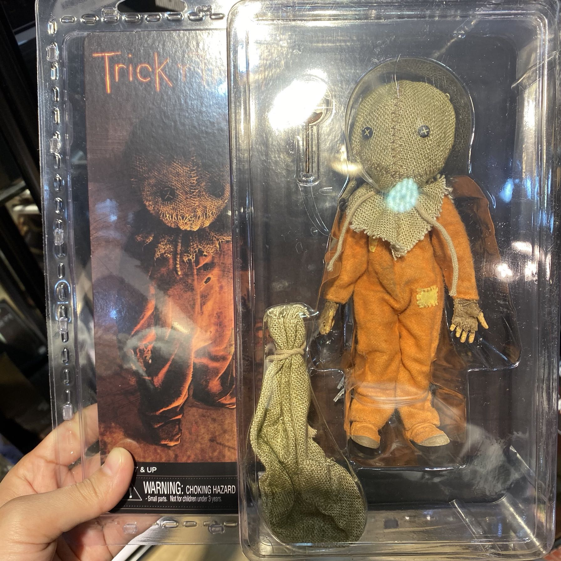 """NECA Trick /'R Treat Clothed Sam 8/"""" Scale Action Figure"""