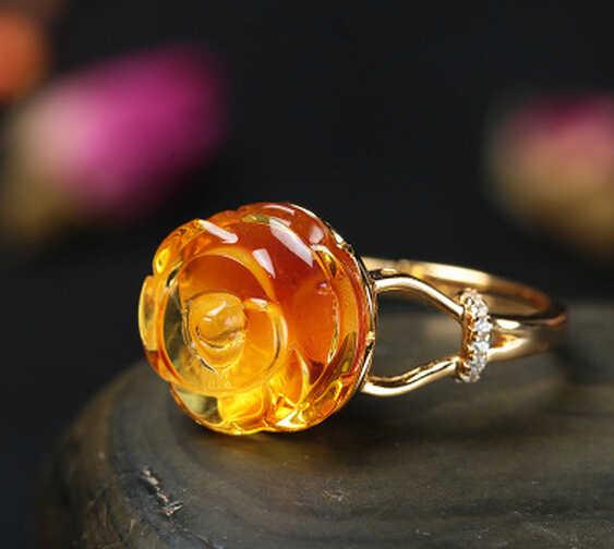 DYY 1124 + + + naturalny bursztynowy pierścionek z różą