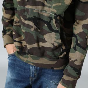 Image 2 - SIMWOOD 2020 bahar kış kapşonlu kamuflaj hoodies erkekler moda tişörtü jogging yapan elbise artı boyutu streetwear SI980675