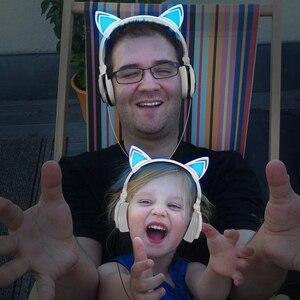 Image 3 - LED متوهجة القط سماعات أذن الأطفال الألعاب فوق الأذن سماعة رأس ستيريو 3.5 مللي متر جاك العالمي للهدايا الهاتف المحمول الكمبيوتر