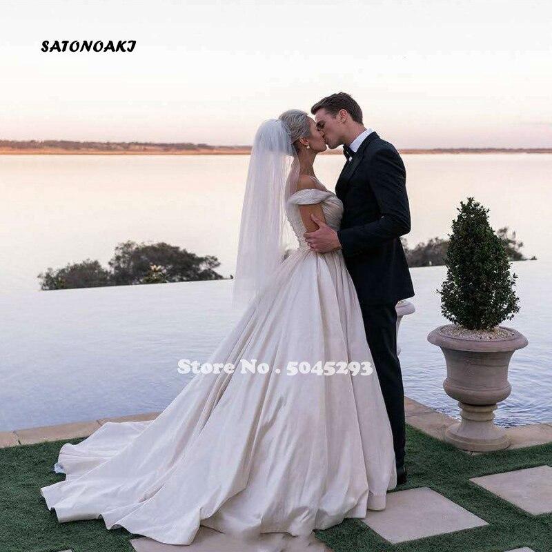 SATONOAKI Sexy V Neck Backless Wedding Dress 2020 Simple A Line Vestido De Noiva Cap Sleeve Pleat Satin Wedding Dresses